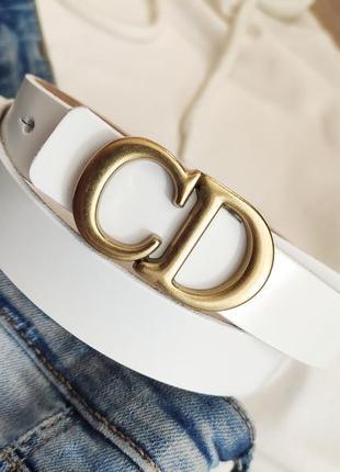 Кожаный брендовый ремень белого цвета