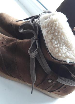 Италия 35 размер! замшевые стильные ботинки.