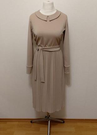 Стильное трендовое платье с юбкой плиссе