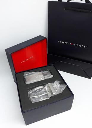 Мужской подарочный набор tommy hilfiger ремень двухсторонний черный коричневый 2 пряжки