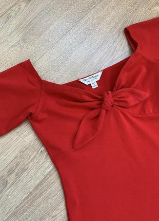 Платье с открытыми плечами на завязках спереди  от miss selfridge