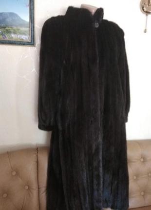 Длинная норковая шуба черная полосовая цельная размер s/m