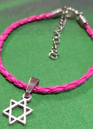 Плетёный кожаный браслет с подвеской звезда давида.