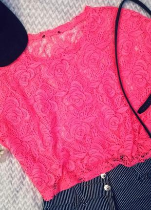 Яркий топ сетка неоновый розовый укороченный в цветок футболка