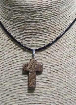 Кулон крест(яшма)-на шнурке.