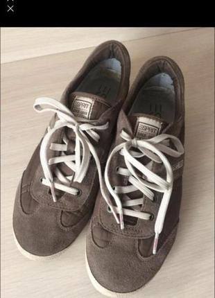 Трендовые кроссовки-кеды