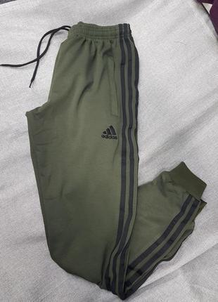 Мужские спортивные штаны adidas зауженные трикотаж на манжете хаки турция брюки адидас