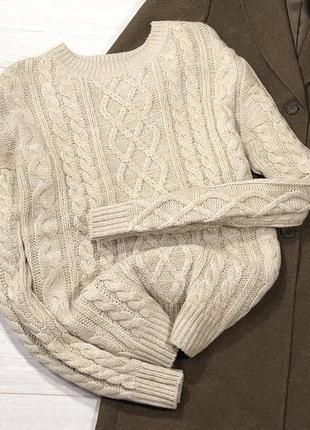 Базовый свитерок с косами
