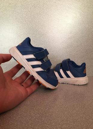 Детские кроссовки adidas 23 размера
