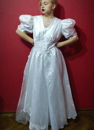Великолепное винтажное свадебное платье с пышными рукавами 80-е