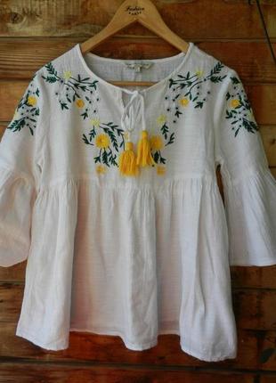 Очаровательная натуральная вышитая блуза