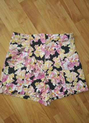 Очень крутые шорты с высокой талией в цветочный принт