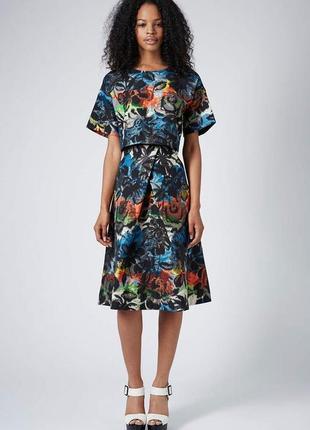 Стильная юбка миди в принт