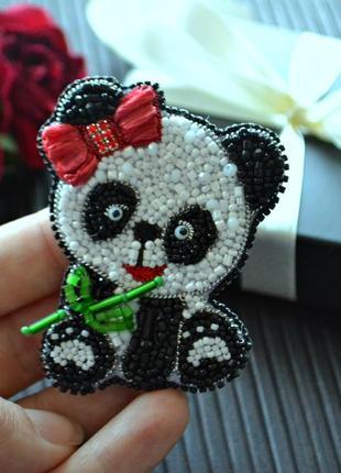 Брошь панда.