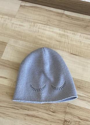 Демисезонная шапочка с люрексоврй ниткой