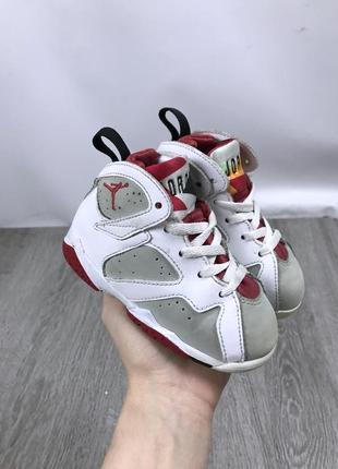 Популярные кроссовки jordan