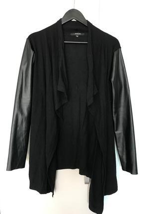 Стильный чёрный кардиган с кожаными рукавами reserved