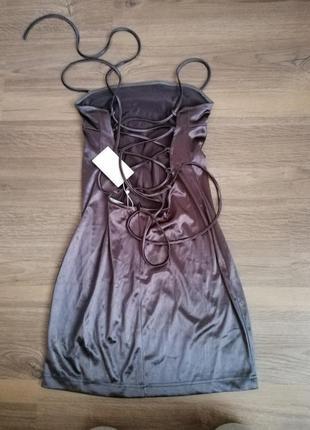 Плаття з зав'язками