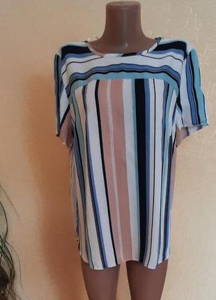 Вискозная блузка в полоску с красивой спинкой на запах.