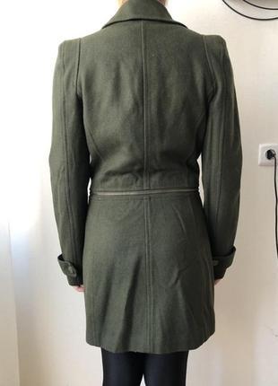 Пальто в стиле милитари stradivarius