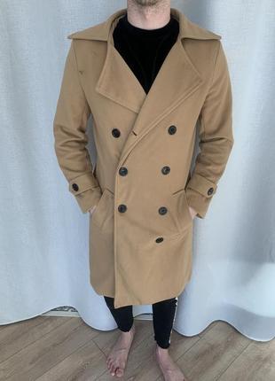 Мужское пальто бежевое
