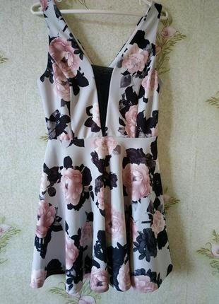 Красивое платье в цветочный принт new look