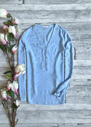 Блуза небесного цвета из натуральной ткани amisu
