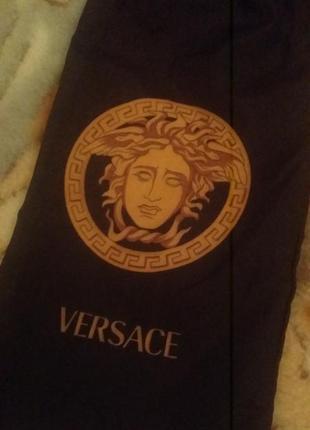 Черный  чехол на зонт ,versace, логопринт.