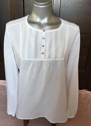 Очень стильная блузка-топ белого цвета