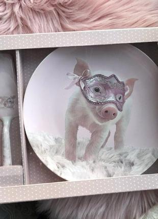Фарфоровый набор тортовница с ложкой lefard свинка на маскараде