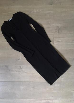 Стилльное базовое трикотажное черноое платье