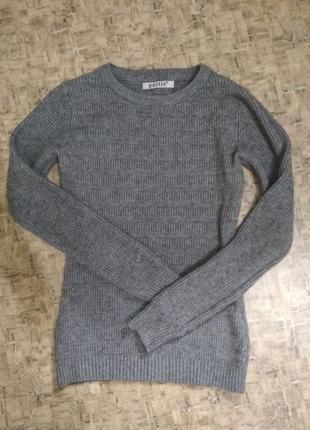 Крутой базовый свитер