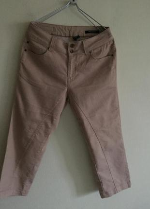 Стрейтчевые  джинсовые бриджы 33 р.