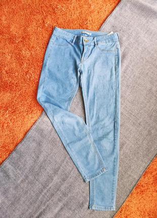 Светлые джинсы тонкие