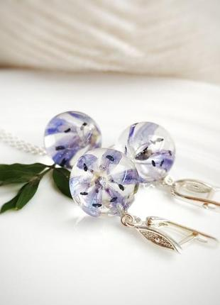 Комплект украшений серебряные серьги и кулон с натуральными цветами пролесками