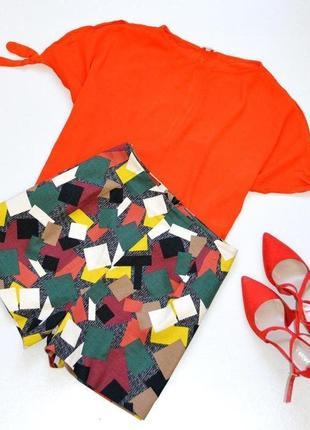 Супер стильные и красивые шорты в геометрический принт,цветные шорты
