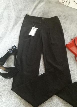 Легкие брюки делового стиля  ,пот 35-36см
