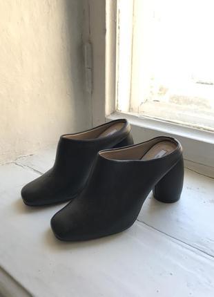 Кожаные туфли hvoya