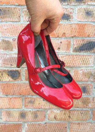 Женские красные туфли carvela размер 38,5