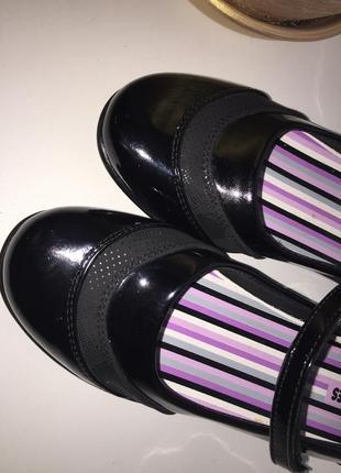 Лакированные туфли балетки
