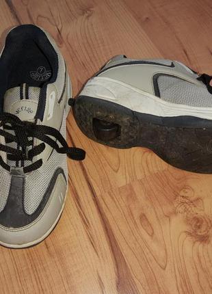 Кросовки на колесах, роликовые кроссовки