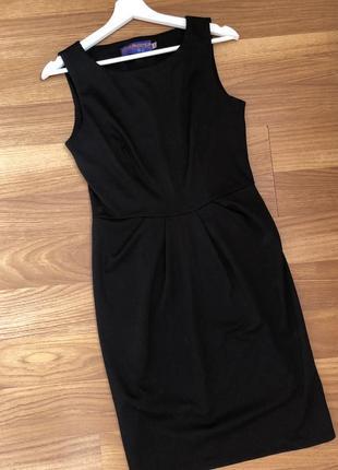 Черное платье классическое без рукавов