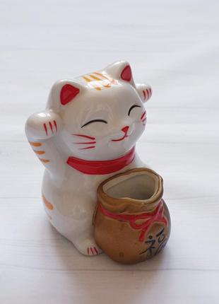 Статуэтка кот-монекинеко ,копилка.
