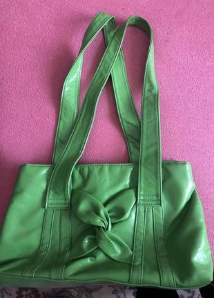 Сумка , сумочка , зелена { на плече }