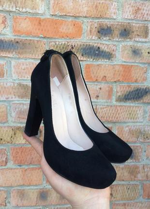 Крутые женские туфли с молнией размер 38 (24,5 см.)