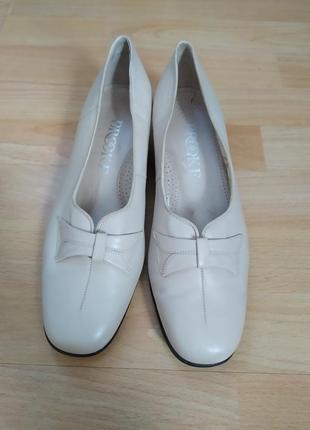 40 p. кожаные красивые  туфли brooke