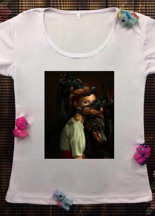 Женская футболка с принтом - девушка с доберманами