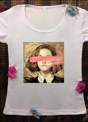 Женская футболка с принтом - девушка