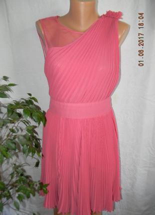 Нежное нарядное платье warehouse