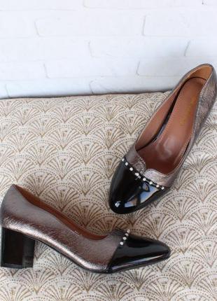 Шикарные туфли 36, 37, 39 размера на устойчивом каблуке